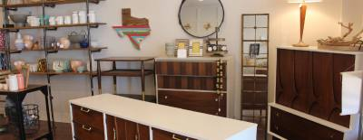 Vintage Fresh specializes in refinished and restored vintage furniture and sells home decor items.