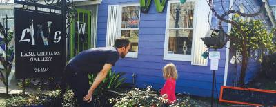 The bubble maker in front of Old Town Springu2019s Lana Williams Gallery draws visitors to the shop. The family-run business is more than 25 years old.