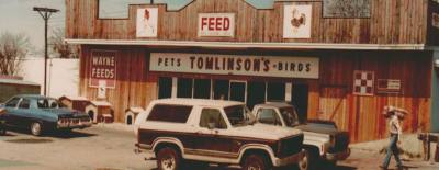 Tomlinsonu2019s Feed began as a chick hatchery before transitioning to an animal feed store as shown in this photo from 1971.