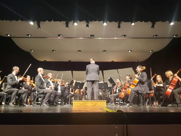 Stefan Sanders leads the Central Texas Philharmonic for its inaugural performance Sept. 8. (Ali Linan/Community Impact Newspaper)