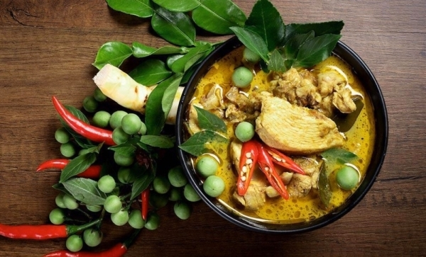 246 Thai Grab & Go offers authentic Thai dishes with pure ingredients such as pad ka prow, panang beef and tom yum kung. (Courtesy 246 Thai Grab & Go)