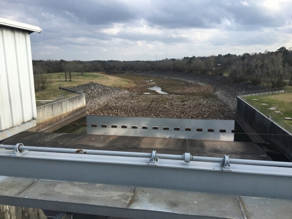 A San Jacinto River Authority-operated dam at Lake Conroe controls water releases. (Vanessa Holt/Community Impact Newspaper)