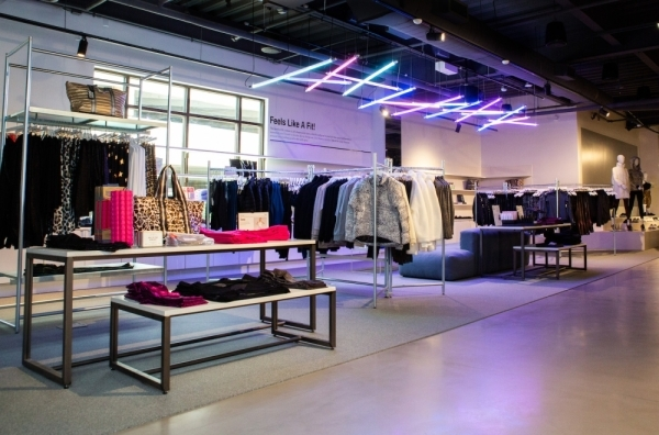 Market by Macy's provides a boutique shopping experience with Macy's-branded fashion. (Courtesy Macy's)