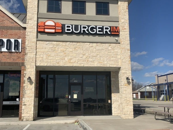 BurgerIM on Round Grove Road in Lewisville closed for remodeling Feb. 3. (Photo by Brian Pardue/Community Impact Newspaper)