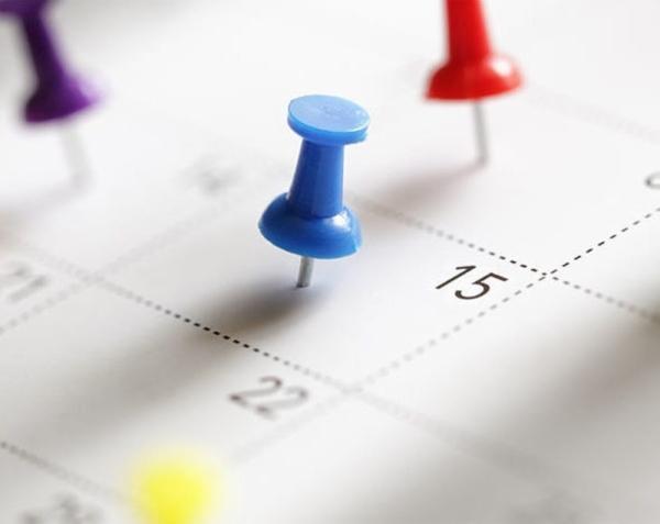 fotolia calendar thumbtacks