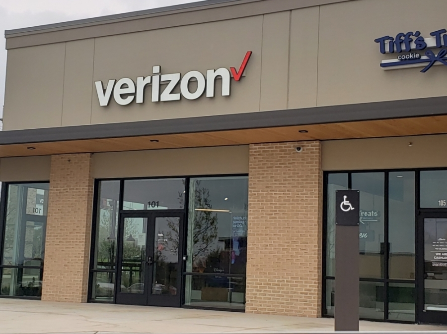 The Verizon is located in the Wolf Crossing development at 1225 I-35, Ste. 101, Georgetown. (Ali Linan/Community Impact Newspaper)