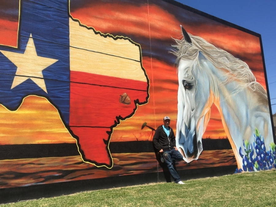 This mural of a horse is Socie's most recent work and one of his favorites. (Haley Morrison/Community Impact Newspaper)