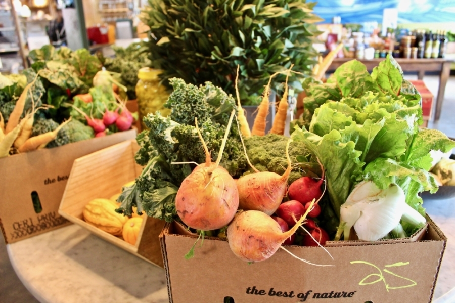 Local Foods is selling boxes of farm-fresh produce for $25. (Matt Dulin/Community Impact Newspaper)