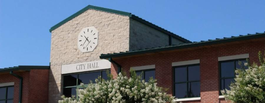 Friendswood City Council held a meeting on May 4. (Community Impact Staff)