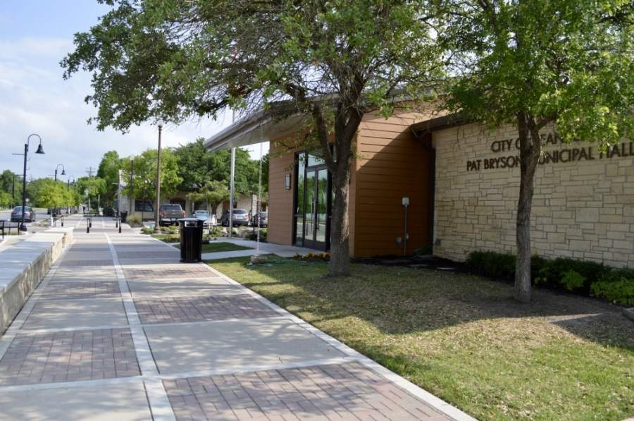 Leander City Council approved 23 more grants to local businesses during the May 7 executive session. (Taylor Girtman/Community Impact Newspaper)