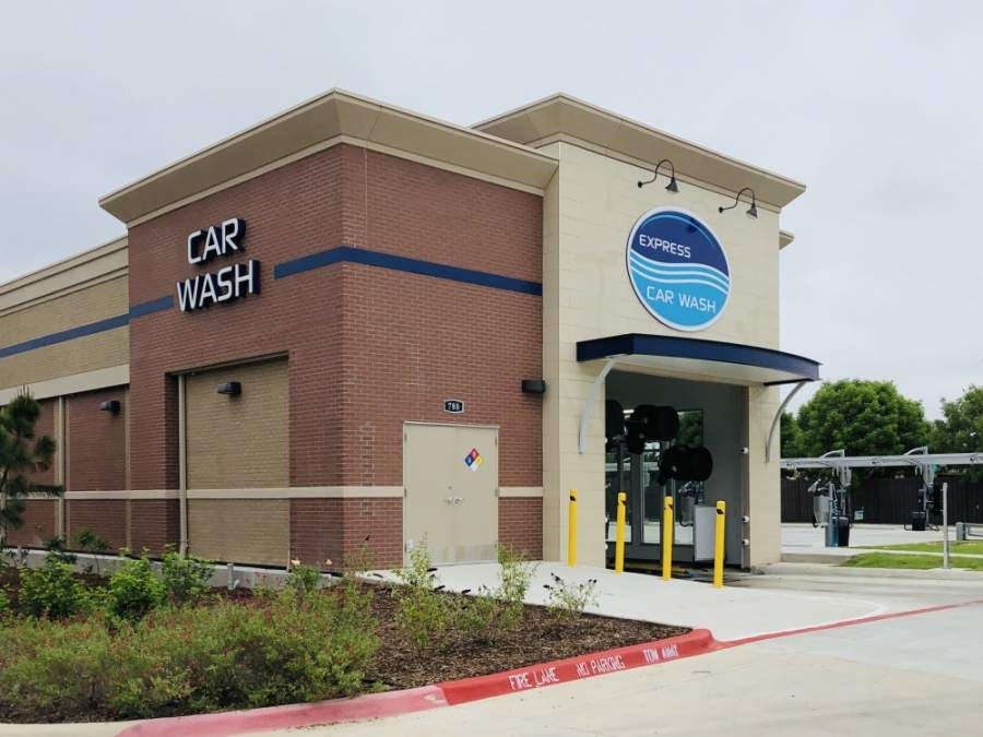 Whitewater Express Car Wash opened on Keller Parkway in May. (Ian Pribanic/Community Impact Newspaper)