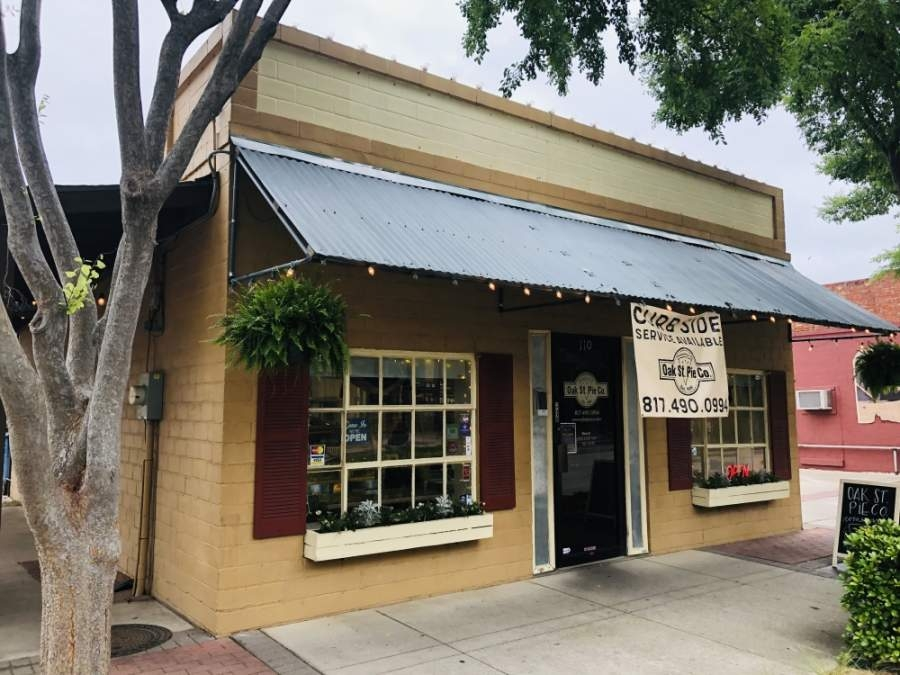 Oak Street Pie Co. has been at its downtown Roanoke location since 2006. (Ian Pribanic/Community Impact Newspaper)