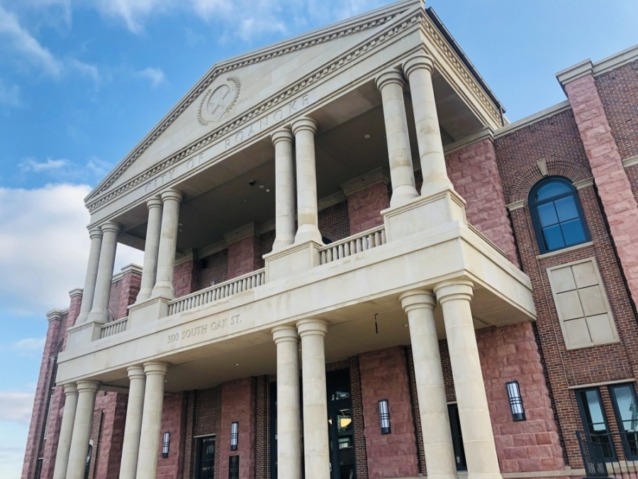"""Roanoke City Council approved an agreement May 12 to provide funding for the Roanoke Stimulus Grant Program, which will contribute up to $200,000 to help keep businesses running """"through a time of social distancing,"""" city officials said. (Ian Pribanic/Community Impact Newspaper)"""