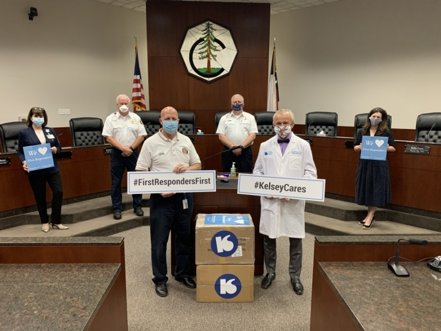 Clinic physicians and staff from Kelsey-Seybold Clinic–Conroe convened at the Conroe Tower on May 7. (Courtesy Kelsey-Seybold)