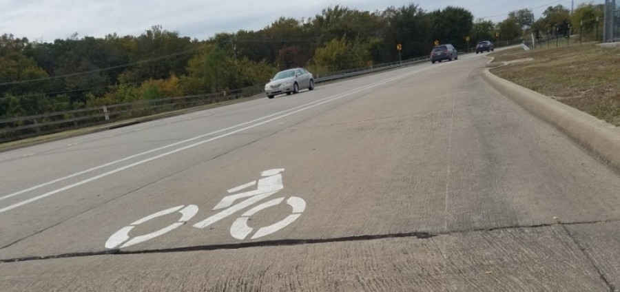 The improvements to Granny White Pike will include the addition of bike lanes as well as Americans with Disabilities Act-compliant sidewalks. (Lindsey Juarez Monsivais/Community Impact Newspaper)