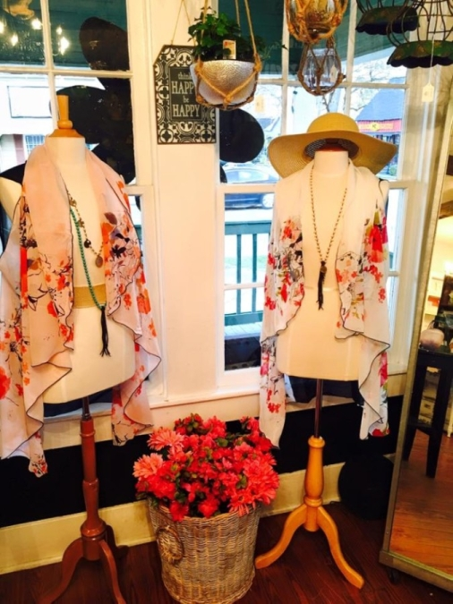 The Old Town Spring boutique specializes in women's jewelry, fashion accessories, gifts and home decor. (Courtesy Golden Gypsies)