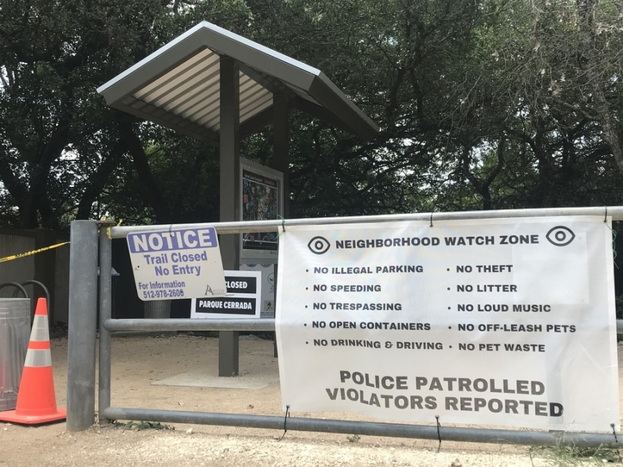 The Woods of Westlake homeowners association has reported public intoxication and other safety hazards at its Barton Creek Greenbelt trailhead. (Amy Rae Dadamo/Community Impact)