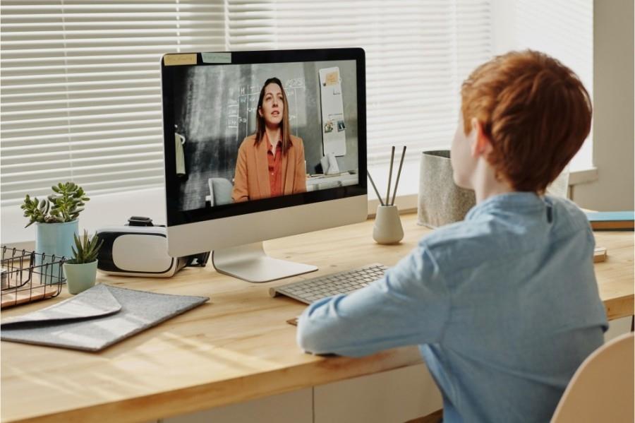 virtual instruction laptop school education online