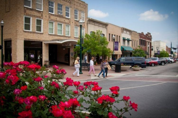 McKinney P&Z commissioners are allowing for more shared parking in downtown McKinney and east of Hwy. 5. (Community Impact Newspaper file photo)