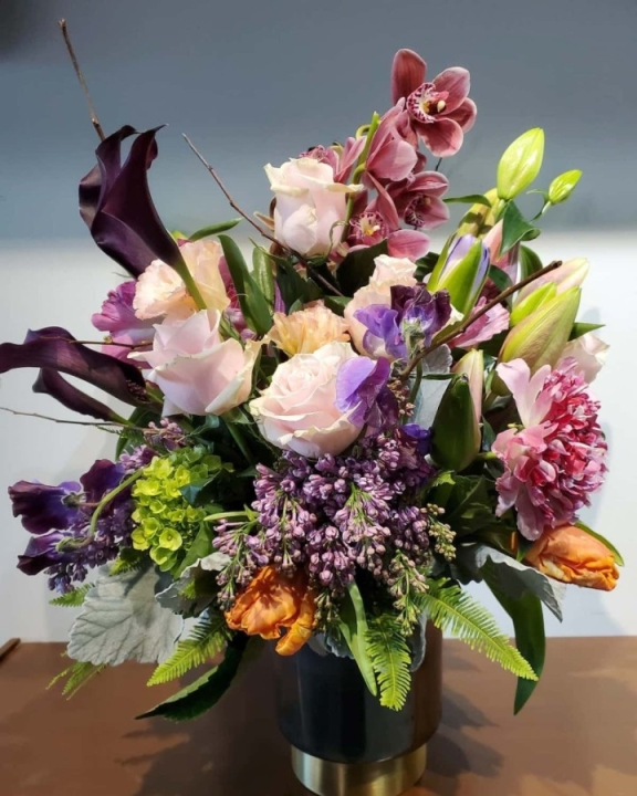 The business sells custom floral arrangements among other items. (Courtesy Mia Fiori)