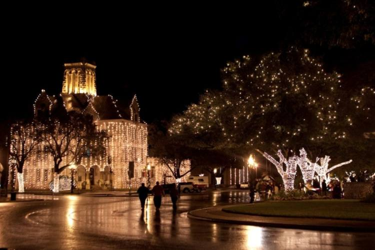 The city of New Braunfels will celebrate the holiday season with a downtown lighting ceremony Nov. 20. (Courtesy New Braunfels Parks & Recreation Dept.)