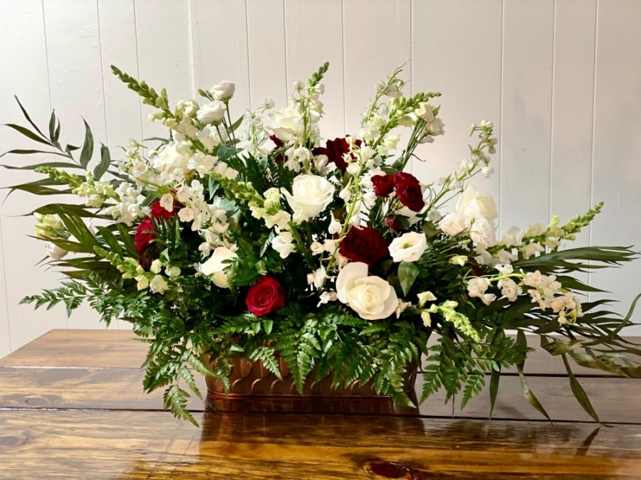 Lily in June offers floral arrangments, event planning, day-of management and more. (Courtesy Lily in June)