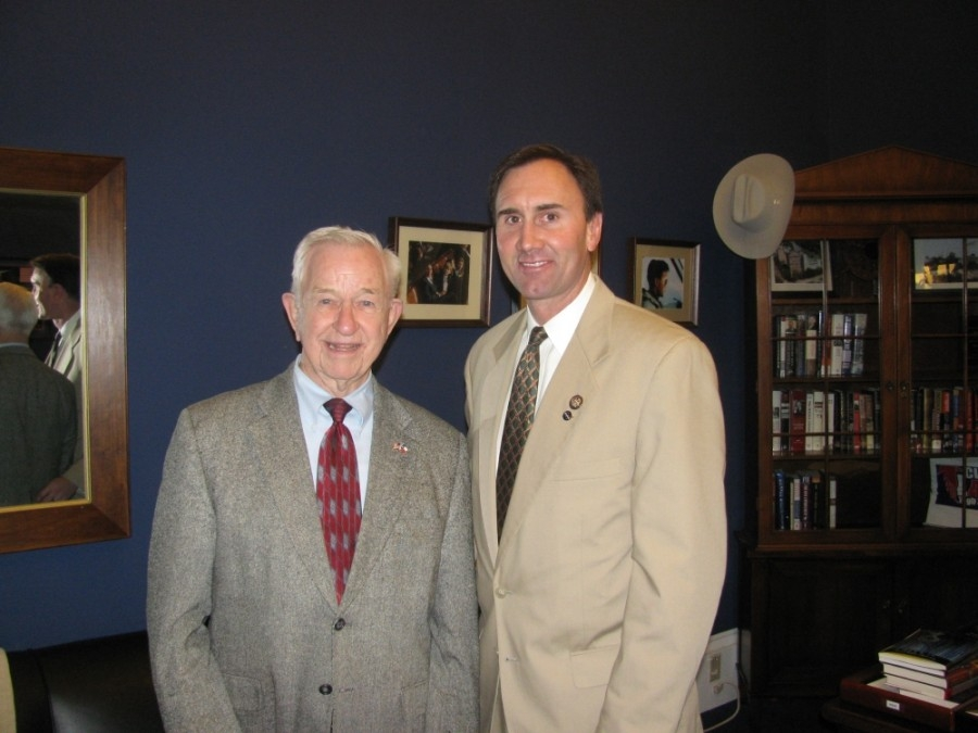 U.S. Rep. Pete Olson's bill will name a Pearland post office after longtime Mayor Tom Reid (left). (Courtesy the office of Rep. Pete Olson)
