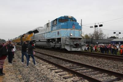 The No. 4141 locomotive, designed by the Union Pacific Railroad Corp. to match Air Force One in 2005, traveled through the North Houston area in December 2018 carrying the body of President George H.W. Bush to College Station. (Anna Lotz/Community Impact Newspaper)
