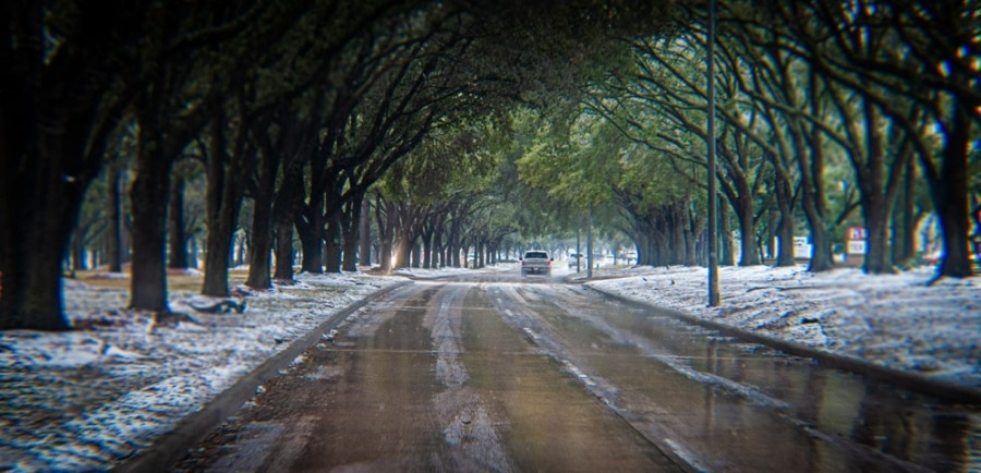 Local resident Rossi Morgan photographed the icy West Lake Houston Parkway in Kingwood the morning of Feb. 17. (Courtesy Rossi Morgan)