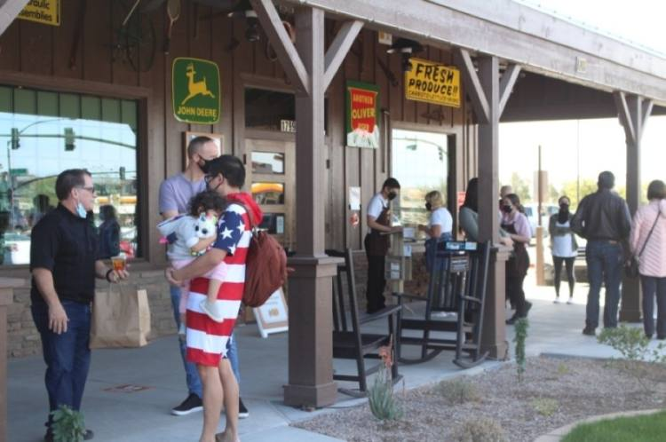The new Cracker Barrel Old Country Store location in Gilbert had standing waits outside when it opened its doors Feb. 15. (Tom Blodgett/Community Impact Newspaper)