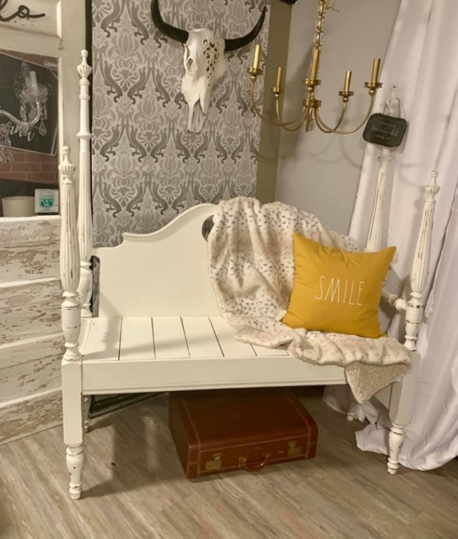 The boutique will offer handcrafted home decor, painted furniture, clothing and accessories. (Courtesy Vintage Chicks Old Town Market)