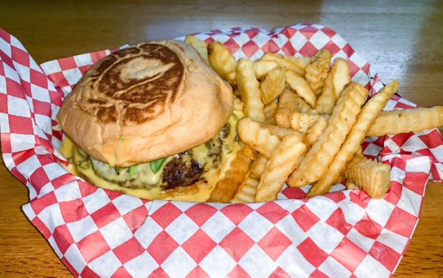 Big Rob's Burgers is known for using fresh meat that has never been frozen, and its popular sides include fried mushrooms and fried pickles. (Rachal Russell/Community Impact Newspaper)