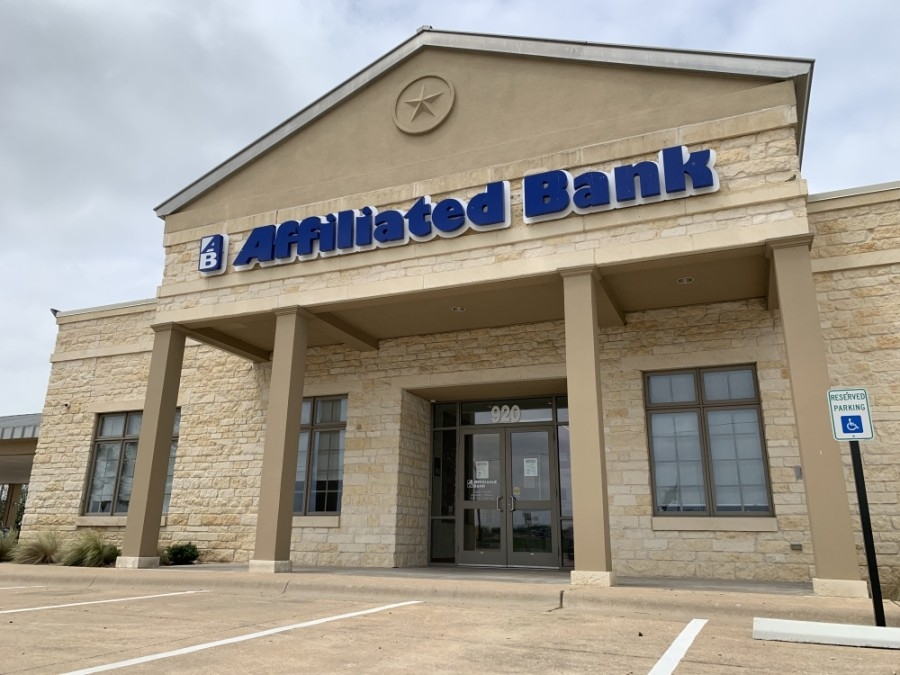 Round Rock's Susser Bank location still has the Affiliated Bank name on the building and is located at 920 N. I-35, Round Rock. (Megan Cardona/Community Impact Newspaper)