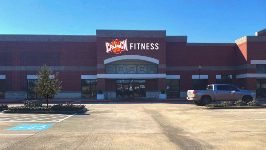 A Crunch Fitness is anticipated to open Oct. 1 in the First Colony Commons shopping center in Sugar Land. (Courtesy NewQuest Properties)