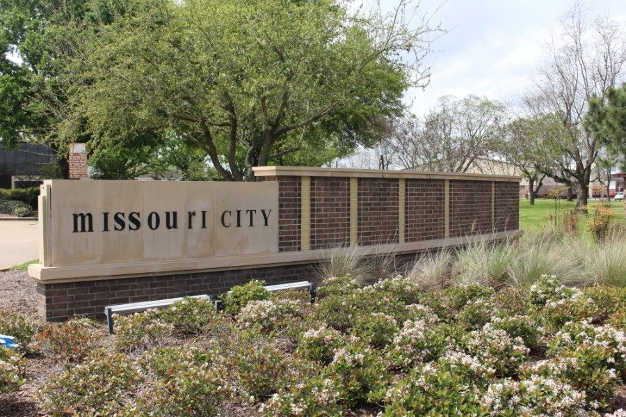 Missouri City staff presented changes to the project to install a median along FM 1092 during a May 3 City Council meeting. (Claire Shoop/Community Impact Newspaper)