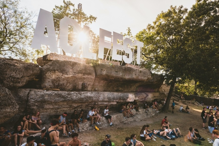 Photo of ACL Fest sign and crowd