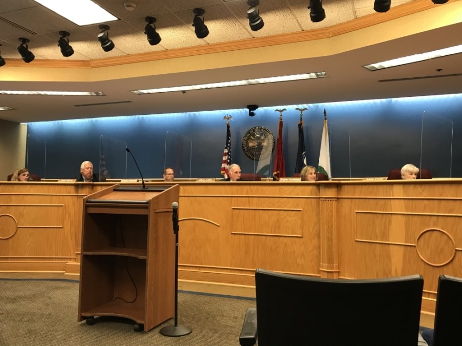 During its May 24 meeting, the Brentwood City Commissioned discussed censuring procedures. (Wendy Sturges/Community Impact Newspaper)