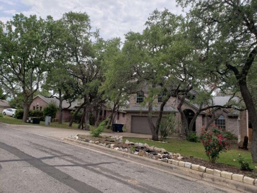 Leander Crystal Falls neighborhood