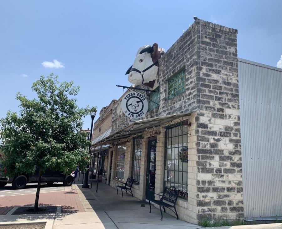 Texan Cafe & Pie Shop was previously closed on Mondays. (Megan Cardona/Community Impact Newspaper)