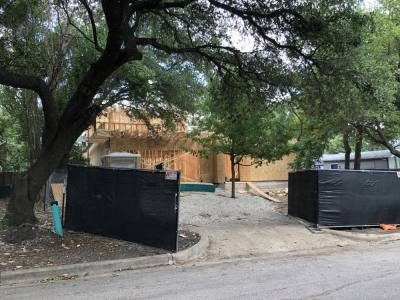 Mortgage purchase applications are down year over year, but the Austin housing market remains hot. (Benton Graham/Community Impact Newspaper)