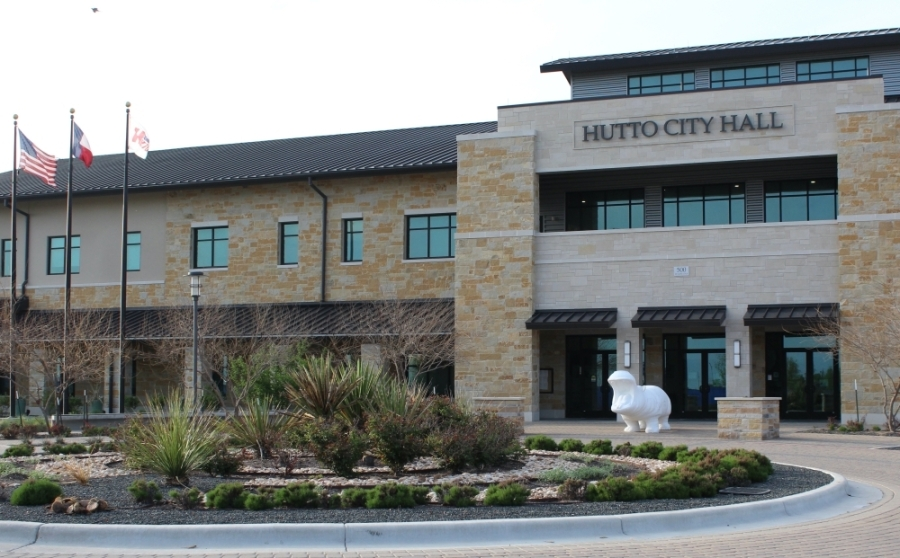 Bond updates and public comment guidelines were discussed at the latest Hutto City Council meeting. (Megan Cardona/Community Impact Newspaper)