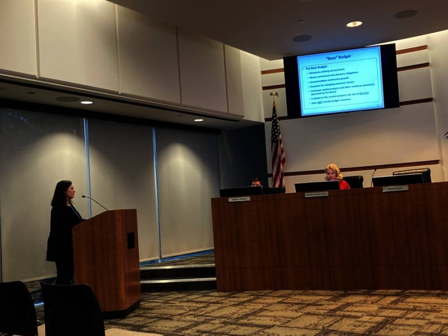 Monique Sharp, The Woodlands Township's assistant general manager for finance and administration, presented fisca year 2022 budget updates at a July 28 meeting. (Vanessa Holt/Community Impact Newspaper)
