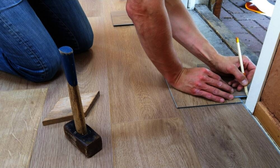 Flooring and home improvement store iFloors tx is preparing to open in Sugar Land in mid-August. (Courtesy Pexels)