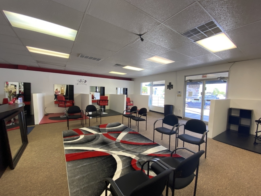 There are different stations at Picture Perfect Studio available for beauty professionals to rent out and offer services to customers. (Brooke Sjoberg/Community Impact Newspaper)