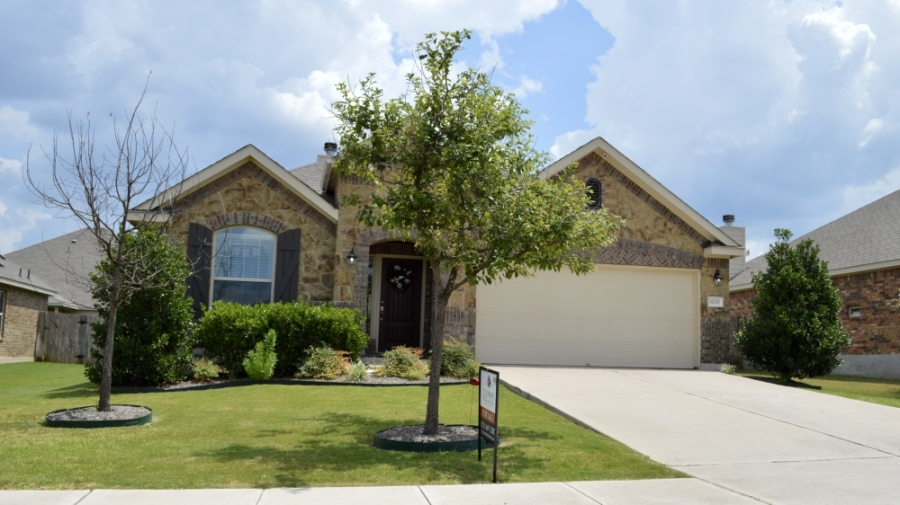 July home sales in Leander decreased 31.1% from 2020. Pictured is a Leander home for sale in late July. (Taylor Girtman/Community Impact Newspaper)