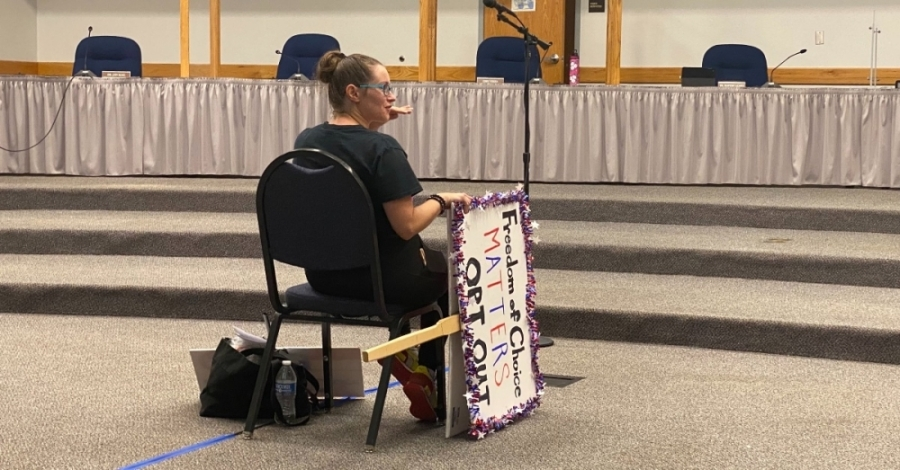 Parents and students shared their view of the district's mask mandate instituted Aug. 17, which included the option to opt-out. (Brooke Sjoberg/Community Impact Newspaper)