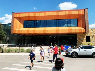 Students and faculty at AISD's Doss Elementary School returned to campus Aug. 17. (Greg Perliski/Community Impact Newspaper)
