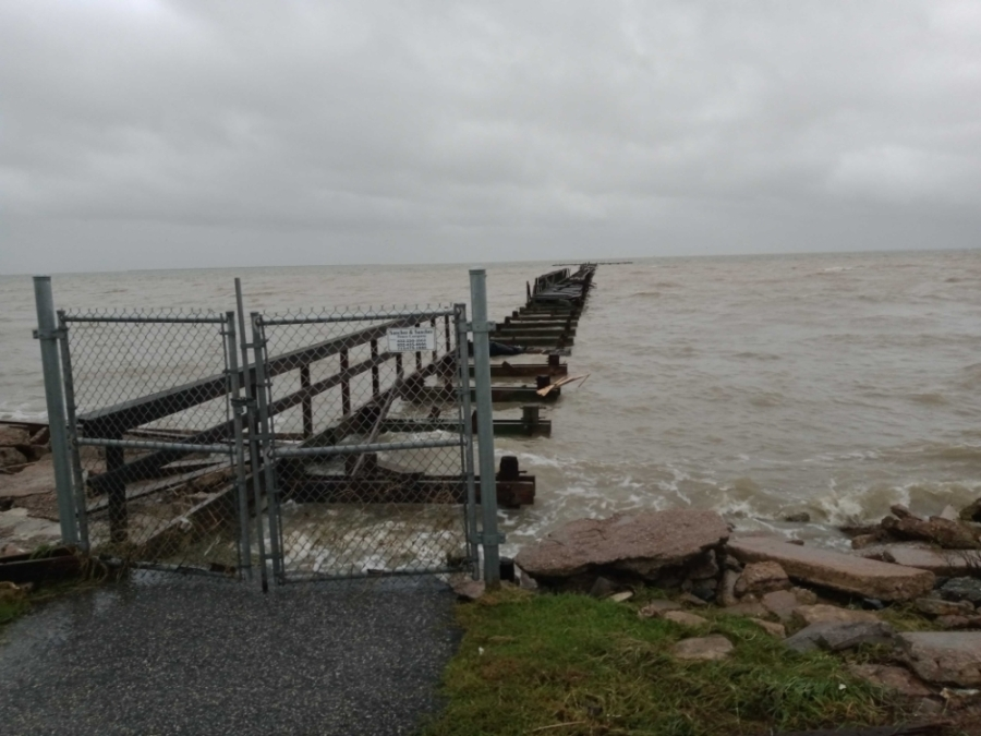 The 1,000-foot pier was destroyed by hurricane waves. (Courtesy city of Seabrook)