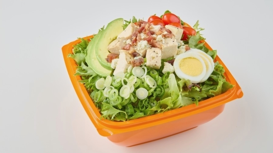 The drive-thru eatery offers made-to-order salads, wraps, breakfast burritos, soups and drinks. (Courtesy Salad and Go)
