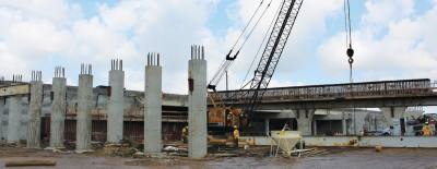 A six-mile stretch of projects on I-45 south will widen the interstate to 10 lanes and demolish overpasses at El Dorado and Bay Area boulevards.